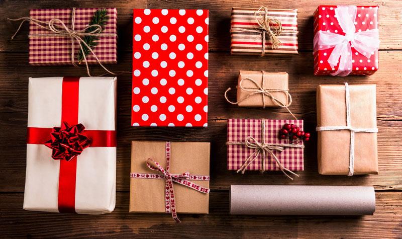 много подарков за год