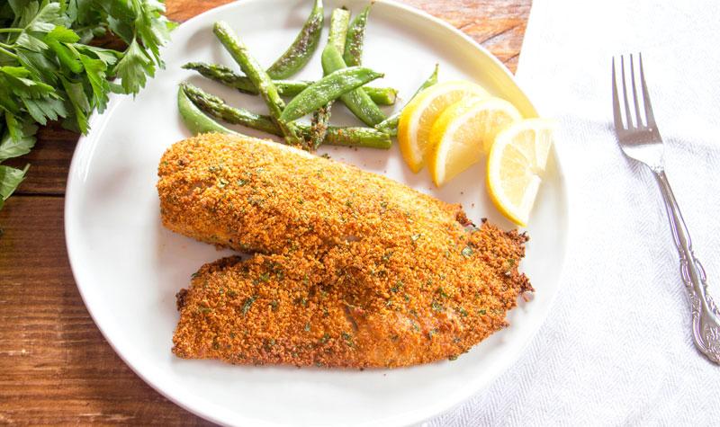 рыба, жаренная с сыром в сухарях